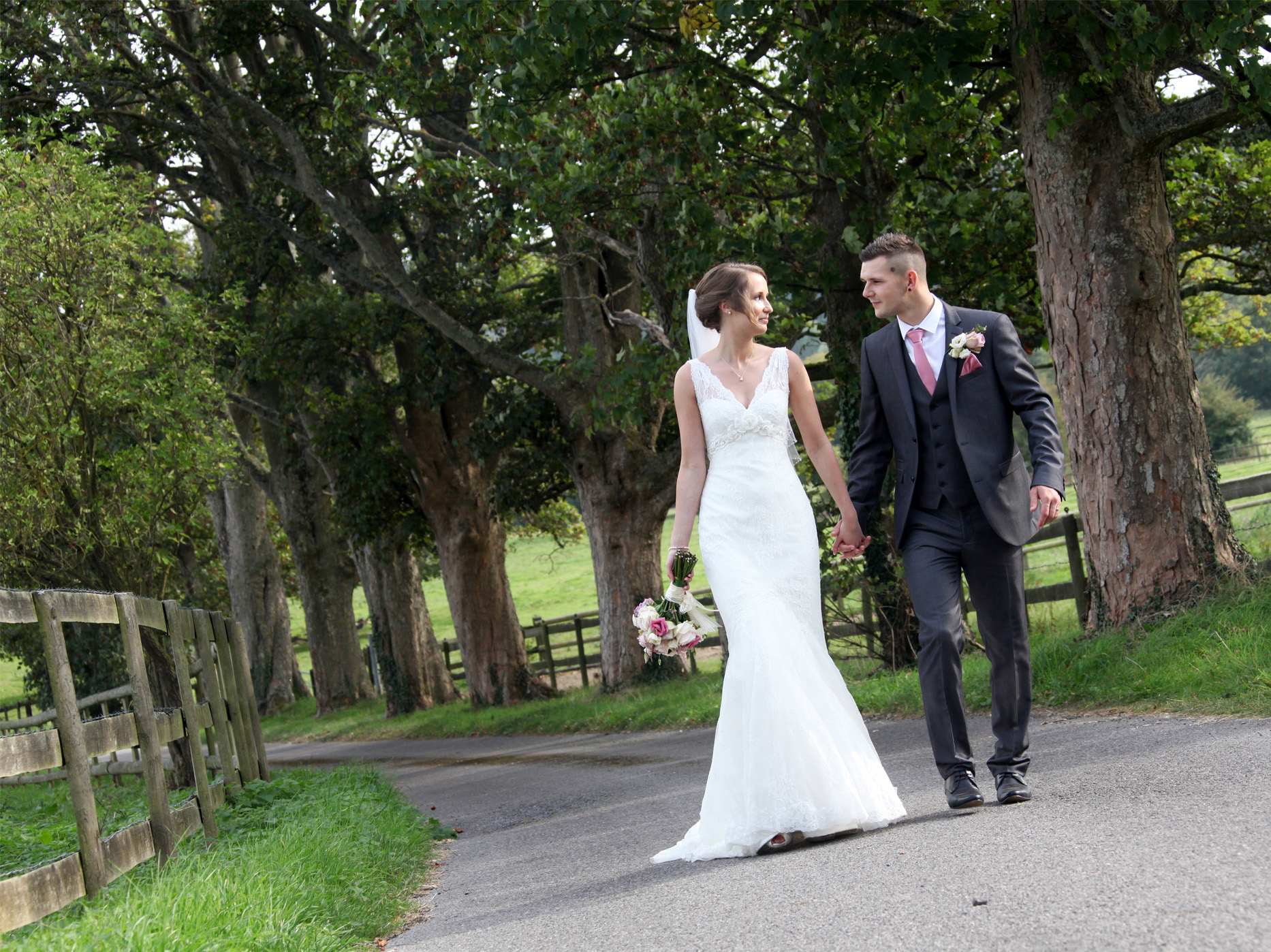 Guildford & Surrey Wedding Photographer
