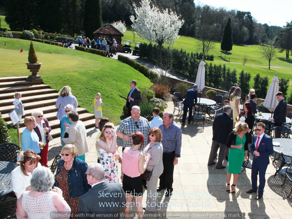 Hampshire Wedding Photography - drinks reception