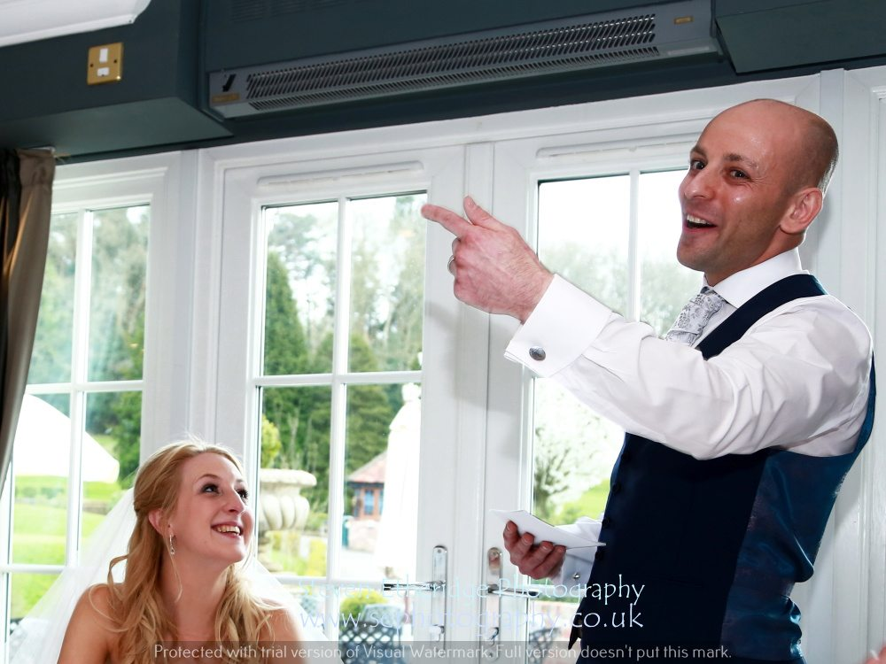 Hampshire Wedding Photography - groom's speech